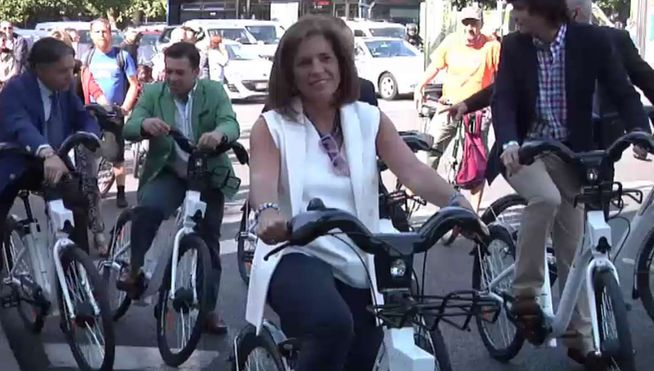 Botella-bici-Madrid_MDSVID20140623_0077_17